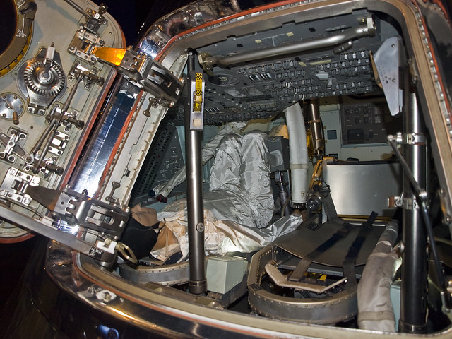 inside apollo capsule houston - photo #29