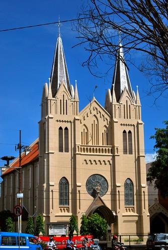 de heilige hartkerk omgeiving aan kayutangan straat