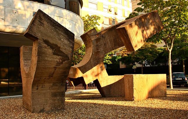 Lugar de encuentros por eduardo chillida fundaci n juan - Calle castello madrid ...