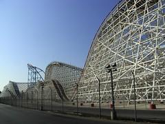 sport venue(0.0), recreation(0.0), outdoor recreation(0.0), skyway(0.0), stadium(0.0), arena(0.0), amusement ride(0.0), park(0.0), amusement park(0.0), tourist attraction(1.0), landmark(1.0), roller coaster(1.0),