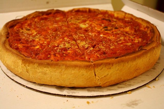 Chicago deep dish pizza by CC user hinnosaar on Flickr