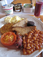 meal, lunch, breakfast, vegetarian food, meat, food, full breakfast, dish, cuisine, baked beans,