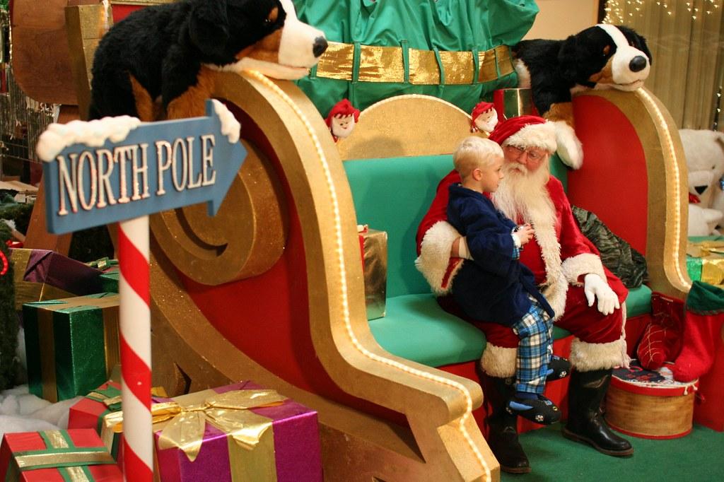 Santa Hours at Winnipeg Malls for the 2019 Holiday Season