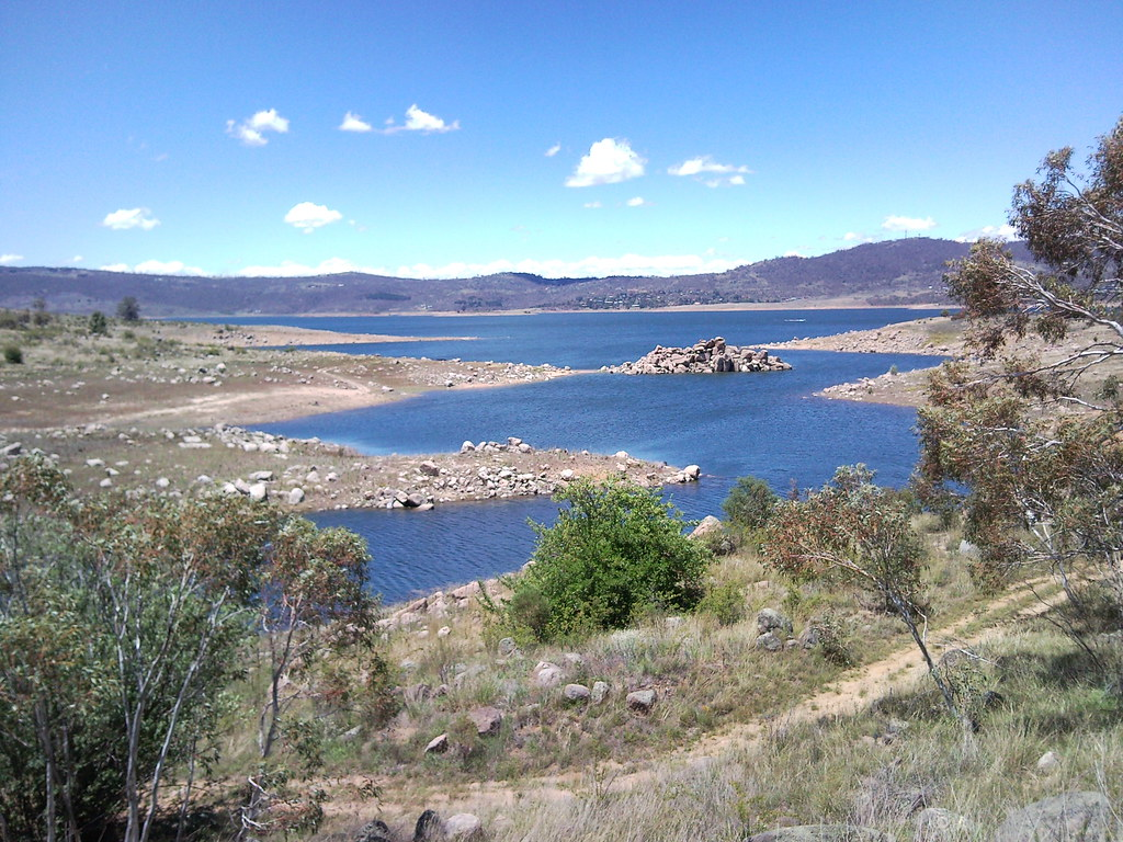 Curiosity Rocks On Lake Jindabyne