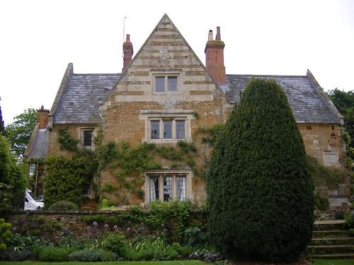 Coton Manor - flckr - ell brown