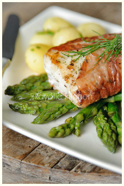Cod with parma ham asparagus kayotic kitchen for Fish and asparagus