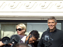 2368316851 59b023e32b m George ClooneyWould George Clooney look good with a shaved head?