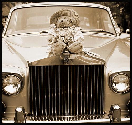 Rolls-Royce and Mascot.
