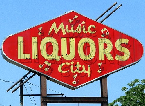 Music City Liquors old neon sign