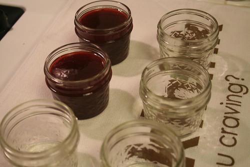 micro-batch plum vanilla jam