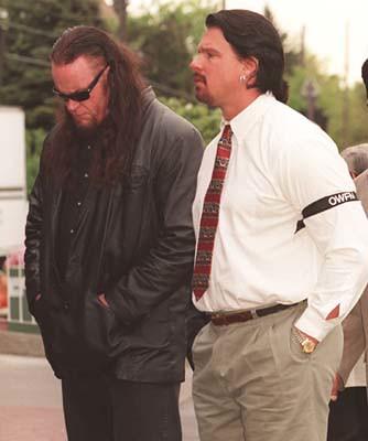 Owen Hart Funeral Vince Linda e vince mcmahon por
