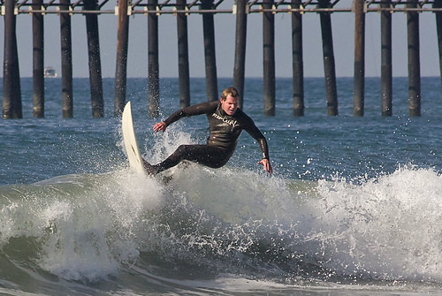 Oceanside Pier Surfing 4674