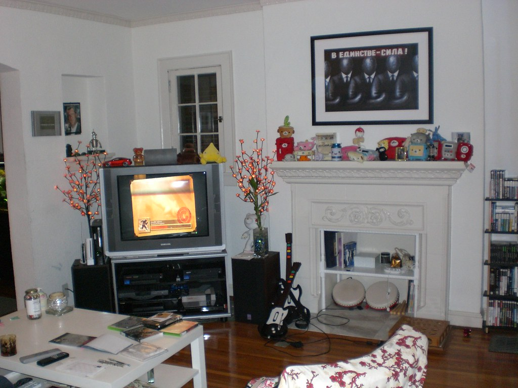 Decorating a non working fireplace apartment therapy - Decorate non working fireplace ...