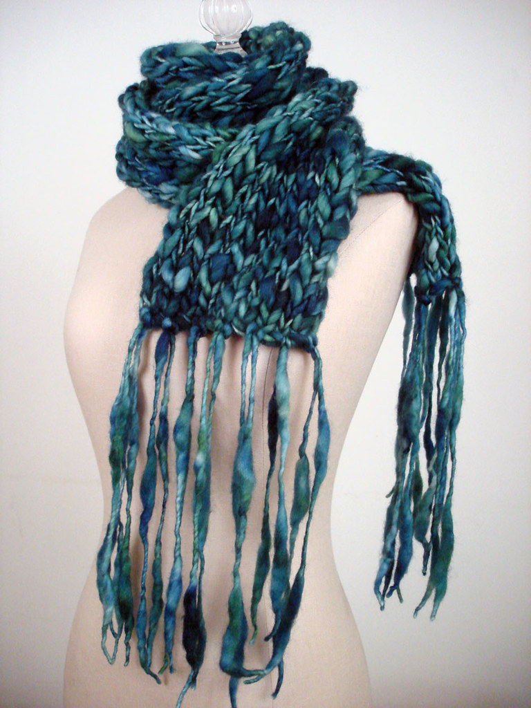 Totally easy (and free!) handspun scarf knitting pattern