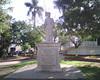 Monumento en la plaza