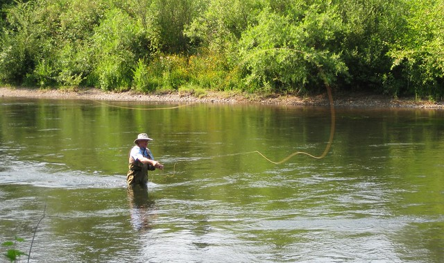 dad fishing on the McKenzie