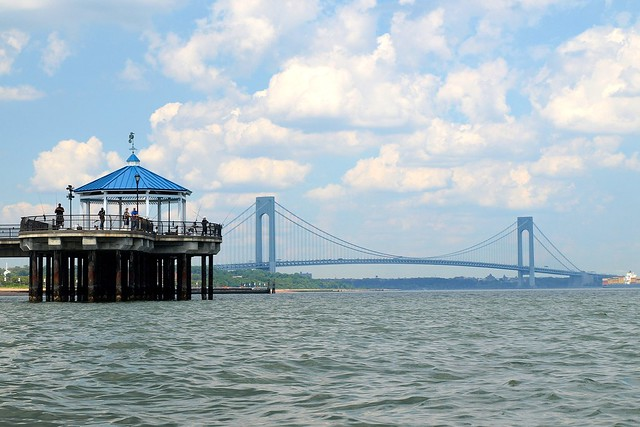 Midland beach fishing pier verrazano narrows bridge new for Staten island fishing