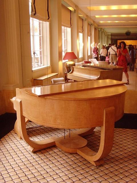 The Lansdowne Club piano 1930s: London art deco interior
