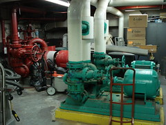 aircraft engine(0.0), machine(1.0), industry(1.0), pumping station(1.0), engine(1.0), factory(1.0),
