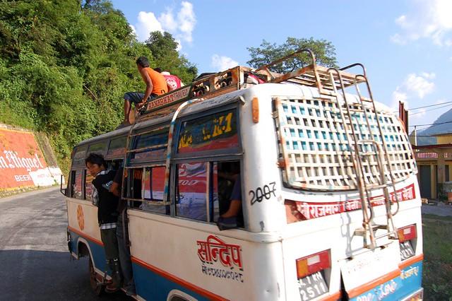 Непальцы ездят как им удобно :)