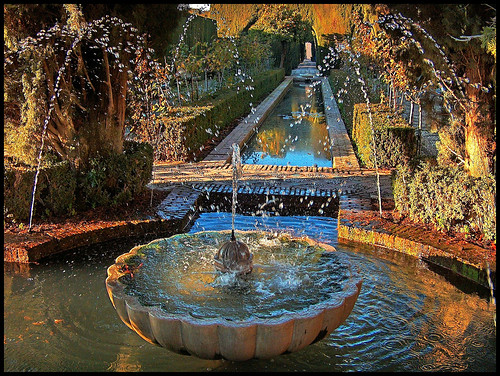 gardens spain alhambra granada fountains generalife 100commentgroup
