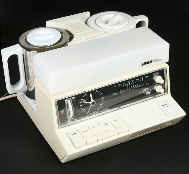 Coffee Maker Alarm Clock Radio : SWAN Teasmade Clock Radio Flickr - Photo Sharing!