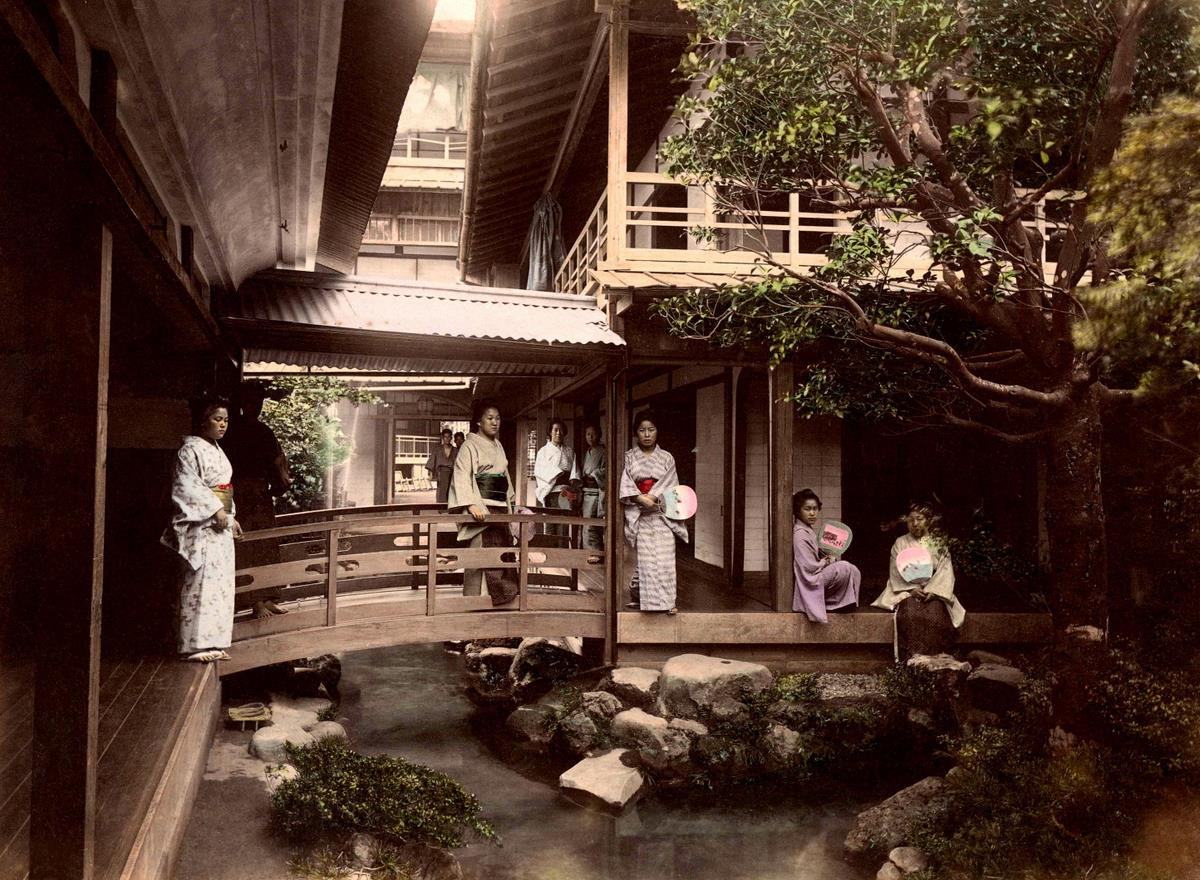 The inner sanctum of a japanese tea house an ochaya for Asian houses photos