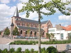 Place Eglise St Piat Roncq (2)