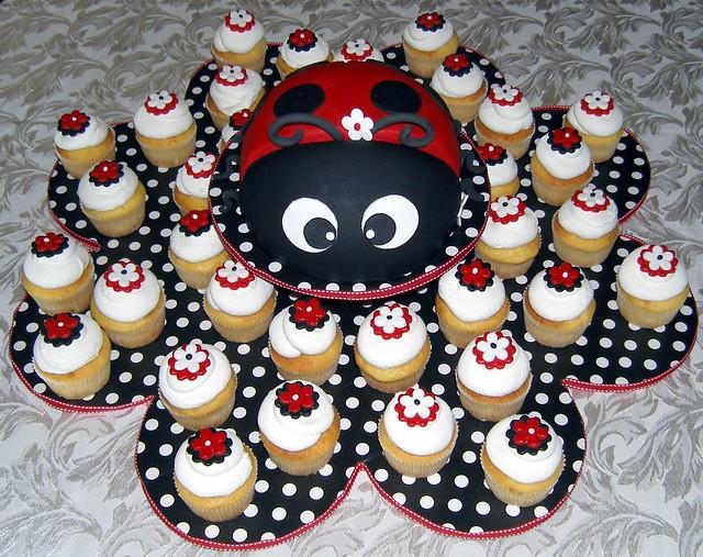 how to make ladybug cupcakes