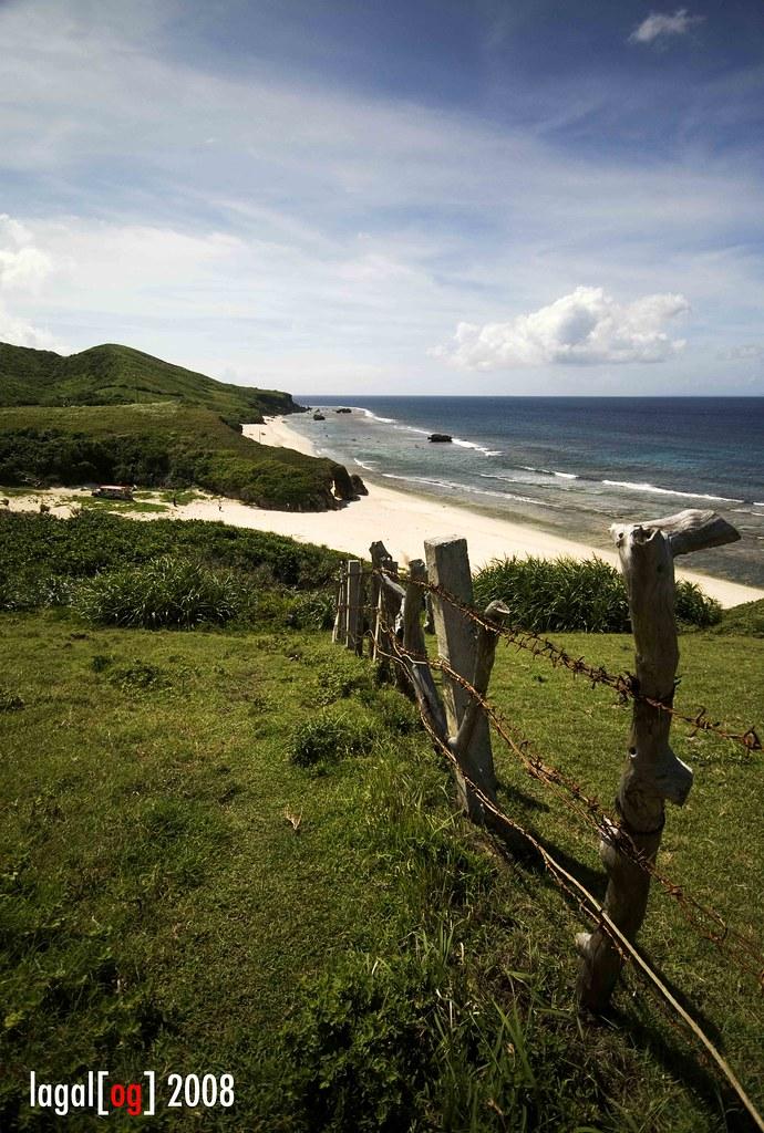 batanes • nakabuang fence