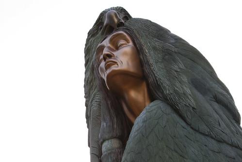 man bronze eagle northcarolina bronzestatue cherokee cherokeenorthcarolina travelingbronzemonument