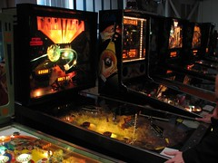 video game arcade cabinet(0.0), pinball(1.0), arcade game(1.0), recreation(1.0), games(1.0),