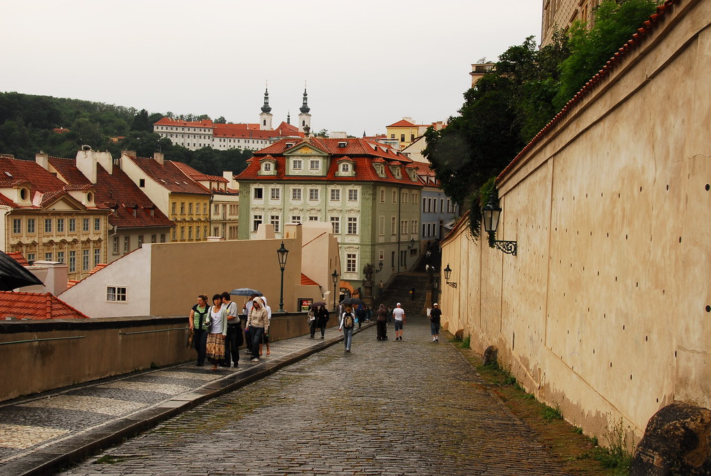 up to praha castle
