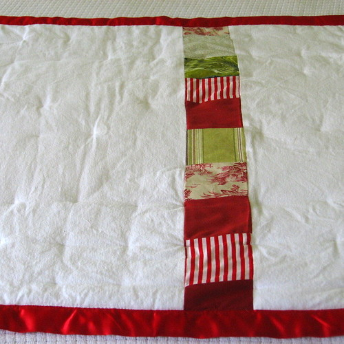 Poppy quilt for baby or toddler (back)