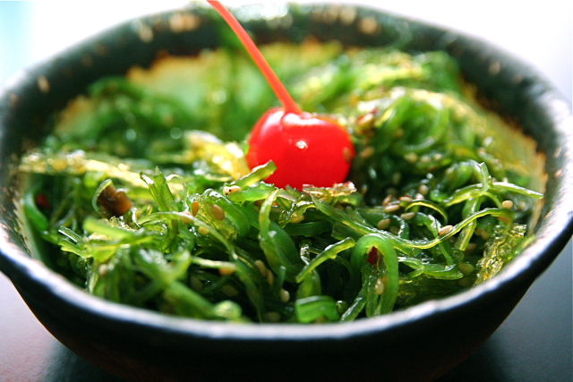 How to Incorporate Health-Boosting Seaweed Into Your Diet