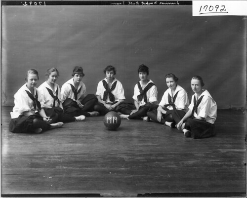 Western College junior basketball team 1917