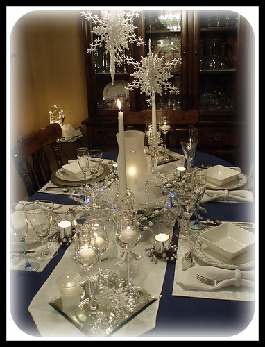 Dining delight winter blue white for Silver centerpieces for dining table