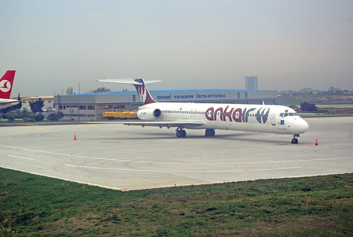 Ankair MD-83 TC-AKN