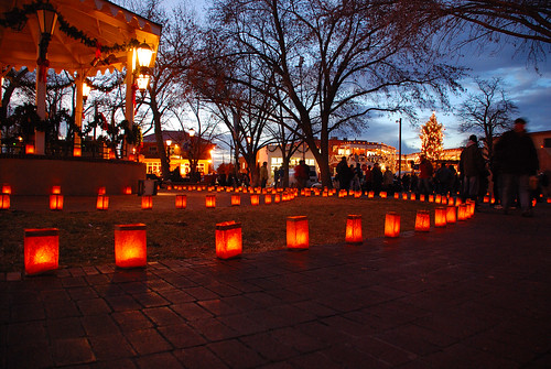 abq--old town--Christmas eve--luminarias