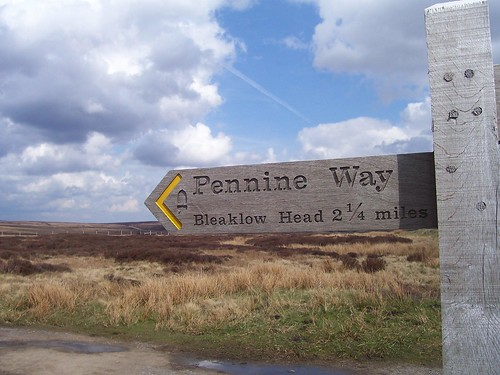 Signpost at the crossing of the Pennine Way and Doctor's Gate