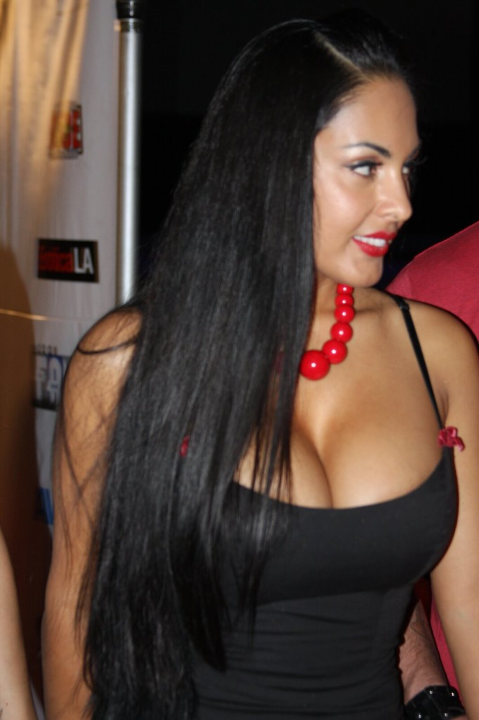 Nina Mercedez   Photo Actress   Pictures Wide Beauty