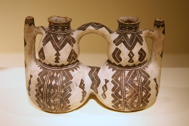 Double vessel thibuk 39 alin kabyle peoples kabylie alg for Decoration kabyle