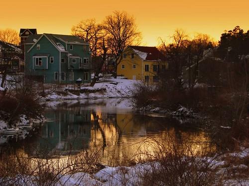 world houses winter sunset river bedford bravo themoulinrouge abigfave anawesomeshot superbmasterpiece diamondclassphotographer ysplix explorewinnersofthe