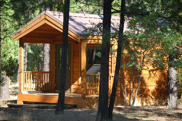 Tahquamenon falls state park cabins tahquamenon falls for Cabins near tahquamenon falls