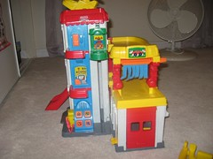 Exif fisher price little people racin ramps garage tower - Fisher price little people racin ramps garage ...