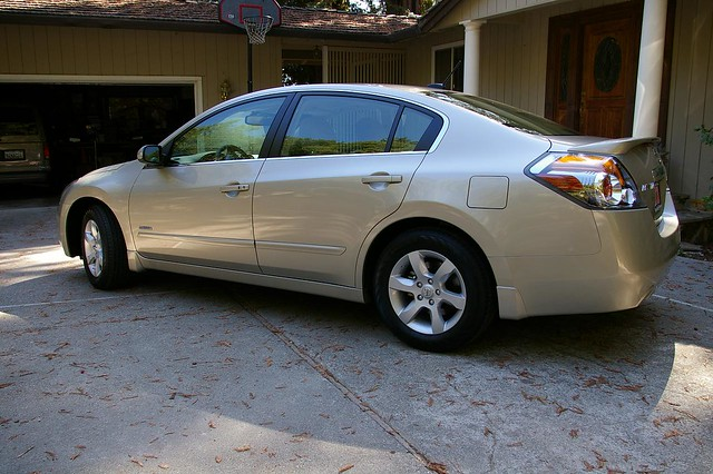 My New 2009 Nissan Altima Hybrid The Exterior Color Is Qu Flickr Photo Sharing