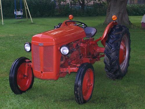 Ferguson Tractor Decals : Antique h ferguson tractors parts for sale