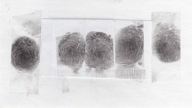 Отпечатки пальцев снимут у всех украинцев