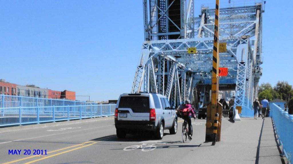 Johnson Bridge Cyclists dual vehicles