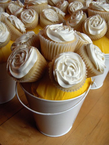 Wedding Cupcake Centerpieces by clevercupcakes